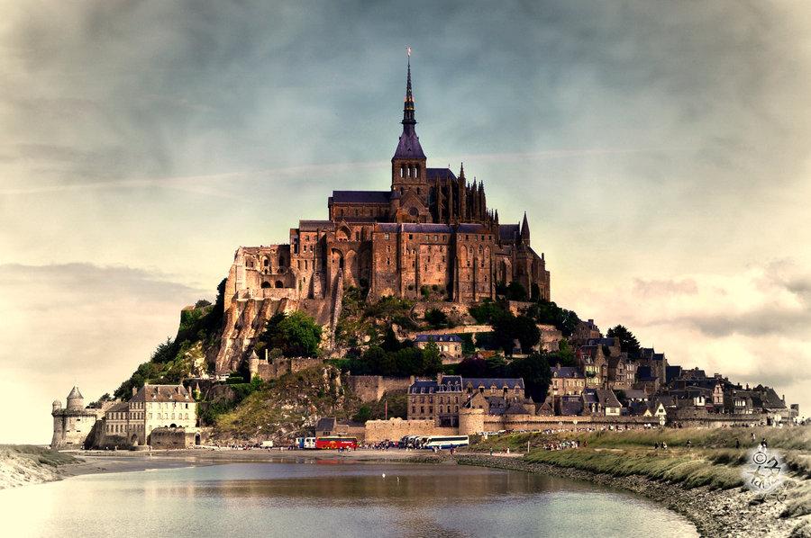 Au Mont Saint-Michel (45 mn)